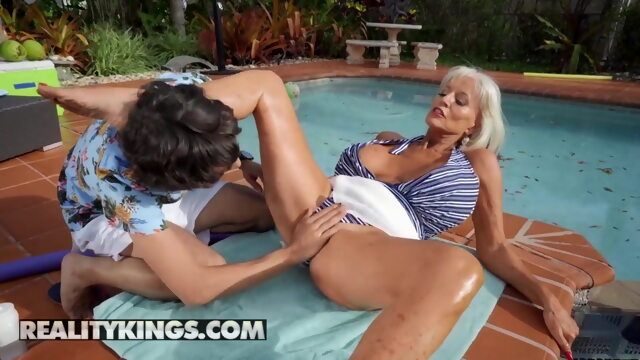 Ricky Spanish Fucks Sally D'Angelo's Mature Pussy By The Pool Xnxx blonde