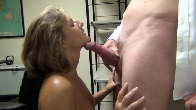 MILF sucking lovers big dick and swallow cum Xnxx amateur