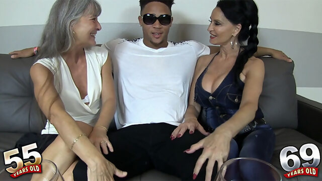 Rita, Leilani and a big, black cock - Leilani Lei and Rita Daniels - 50PlusMILFs Xnxx high heels