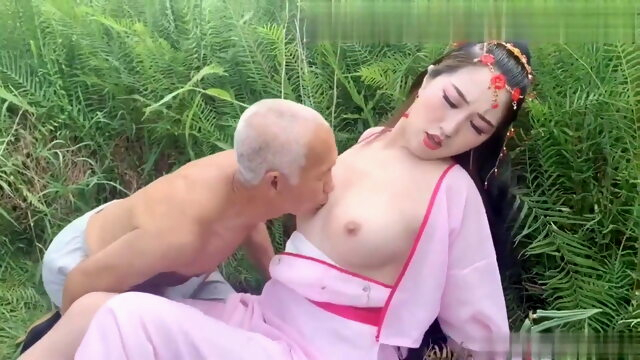 Ancient costume, female ghost tempts 70 year old farmer Xnxx asian