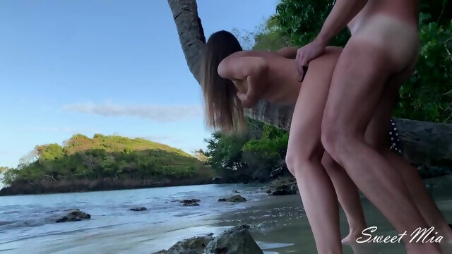 Adventure on a Wild Beach Hot Step Sister Anal Fucked like a Whore for a Creampie Xnxx amateur