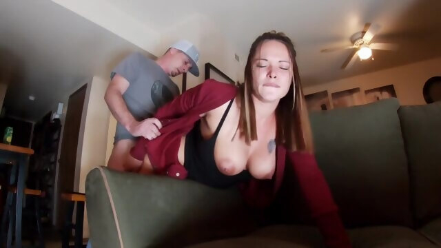 Cheating Slut Sneaks over for a Quick Couch Fuck - TuberTots Xnxx amateur
