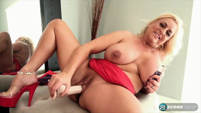 Charli Adams is a seductive, blonde mature who likes to masturbate with a huge sex toy Xnxx big tits