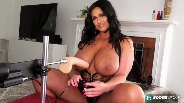 Voluptuous brunette with big tits, Kailani Kai is using a fucking machine to drill her tight ass Xnxx anal