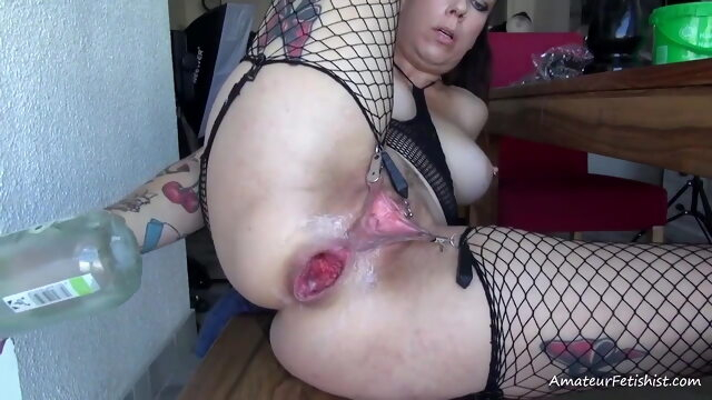 Lovely tattooed girl with sweet asshole Xnxx anal